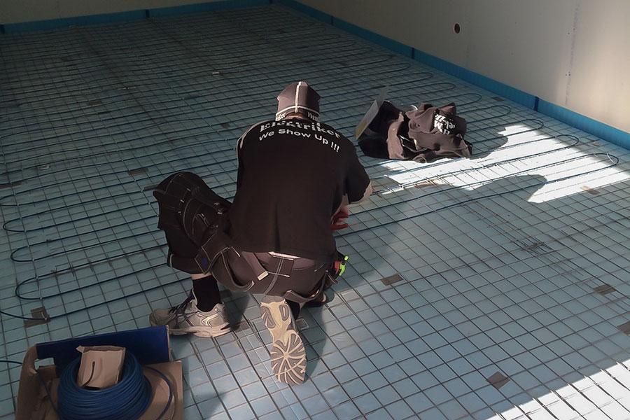 elektriker monterar golvvärme i Uppsala